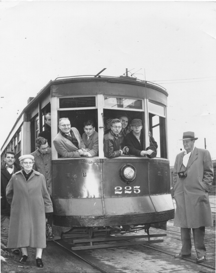 Car #225 on Schreiber near Clark on an Illini Railroad Club fantrip, February 10, 1957 (CTA Historical Collection)