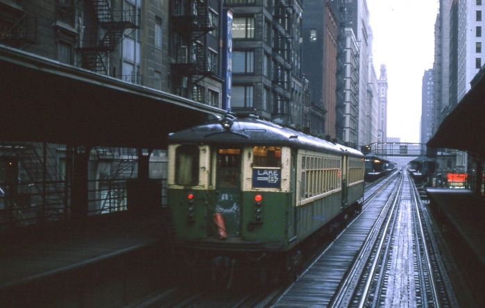 "4000s in Lake Street ""L"" service in April, 1964. (Author's collection)"