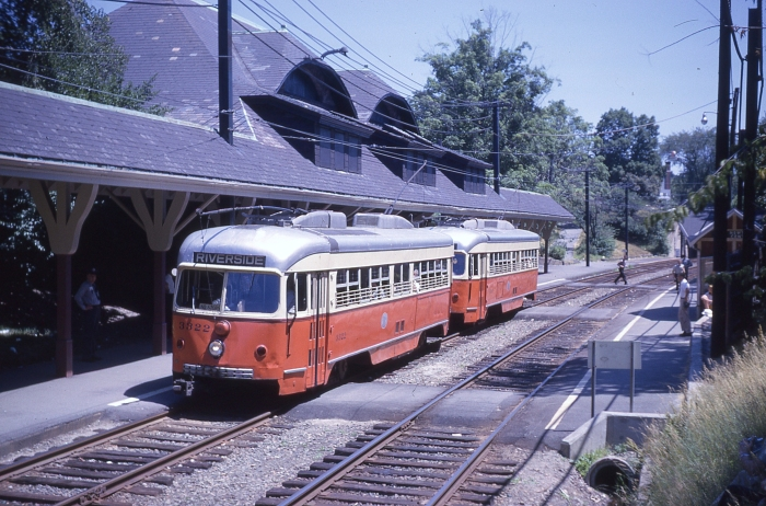 A two-car train of double-end PCCs on the Riverside line in 1959, soon after it opened. (Author's collection)