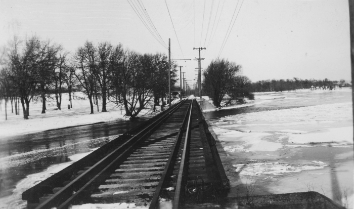 A 1930s view of the Aurora, Elgin & Fox River right-of-way, near the site of today's Fox River Trolley Museum. (Photo by Ed Frank, Jr., Author's collection)