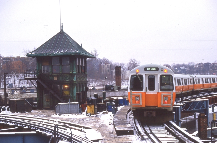 The old Orange Line el, shortly before it was discontinued in 1987. (Photo by David Sadowski)