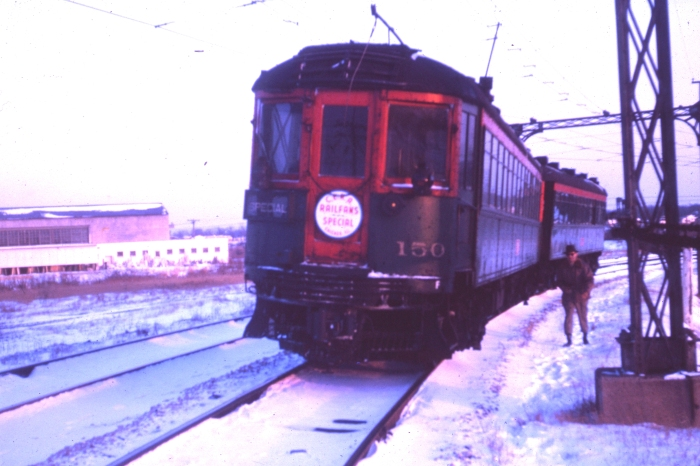 CNS&M 150 at the head of a CERA fantrip on the Libertyville-Mundelein branch in late 1962. The drumhead still appears to be in good shape. (Author's collection)