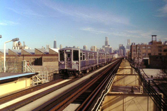 CTA 2318 leads the way at Lake and Ashland on November 18, 2012. (Photo by Jeff Wien, courtesy of the Wien-Criss Archive)