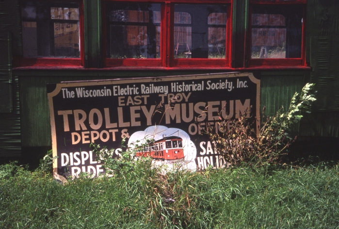 A discarded sign from the original East Troy museum group, as it appeared in August 1987. (Photo by David Sadowski)