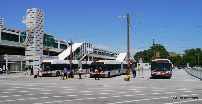 Shuttle buses at Garfield (Green Line).