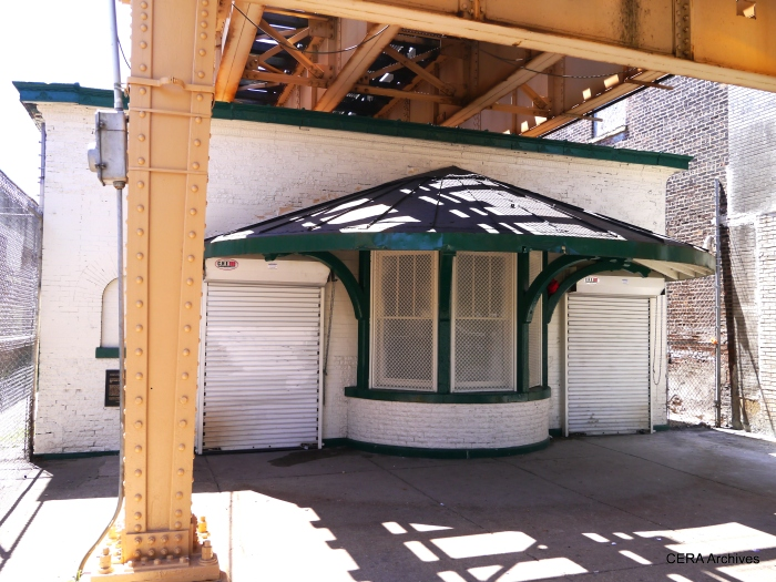 "Apparently, this is the last remaining original station building on the South Side ""L"" (at Garfield)."