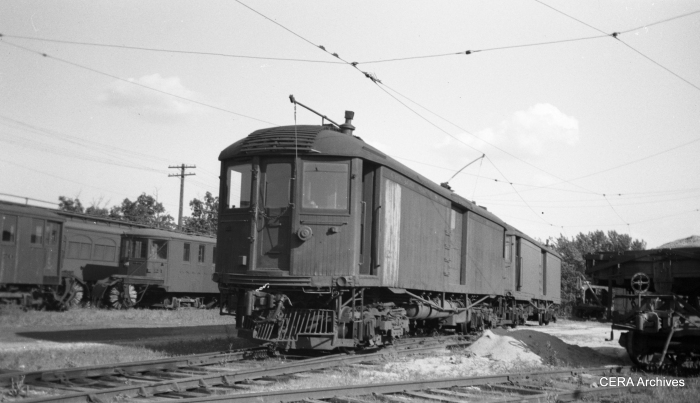 CNS&M freight motor 21 at Highwood in August 1939.