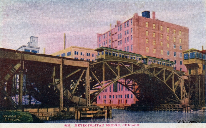 It is not apparent from this early postcard, but the Met bridge over the Chicago River had four tracks.