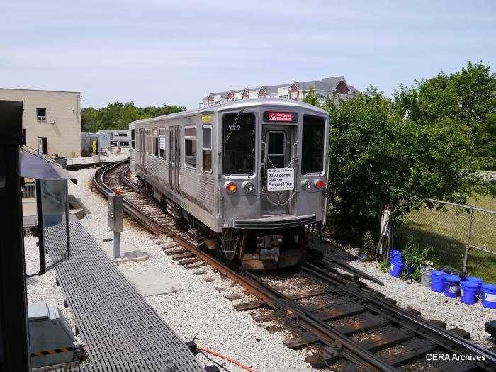 The 2200s on the turnaround loop at Forest Park.
