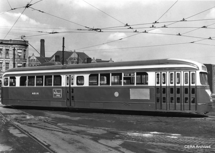 """""""Blinker"""" doors on Chicago """"L"""" cars were influenced by their earlier use on PCC streetcars."""