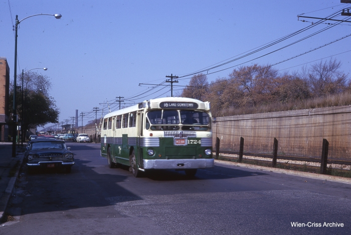A CTA #16 Lake Street bus in October 1962. This route used narrow buses for some years, but was eventually discontinued. (Photo by Charles L. Tauscher, Wien-Criss Archive)