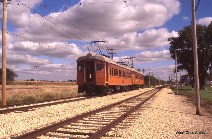 The two-car South Shore Line train. (Photo by Jeff Wien, Wien-Criss Archive)