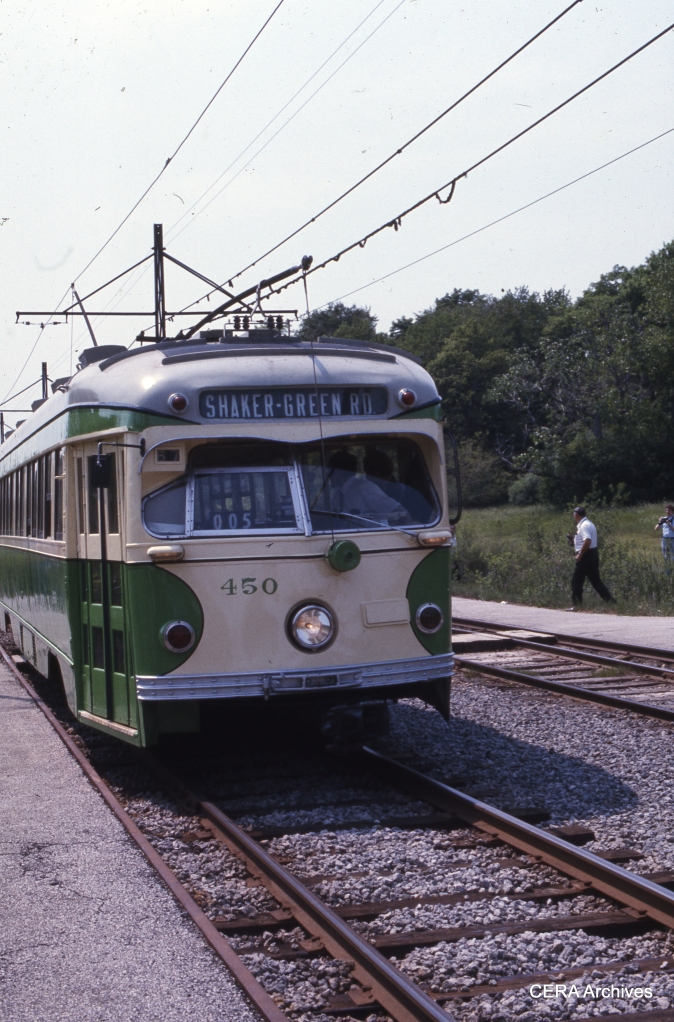 IT 450, temporarily taken out of retirement by the Cleveland RTA, is eastbound at Belvoir on May 29, 1977. (Photographer unknown - CERA Archives)