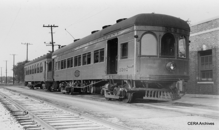 IT 202 with an arch-window trailer. (Photographer unknown - CERA Archives)