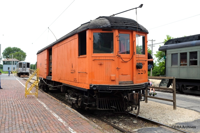 CNS&M 229, with the CTA 2200s at the rear. (David Sadowski Photo)
