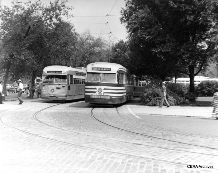 Post-war PCC 4140 and pre-war car 4051 at the Madison-Austin loop in July 1951. (CERA Archives)