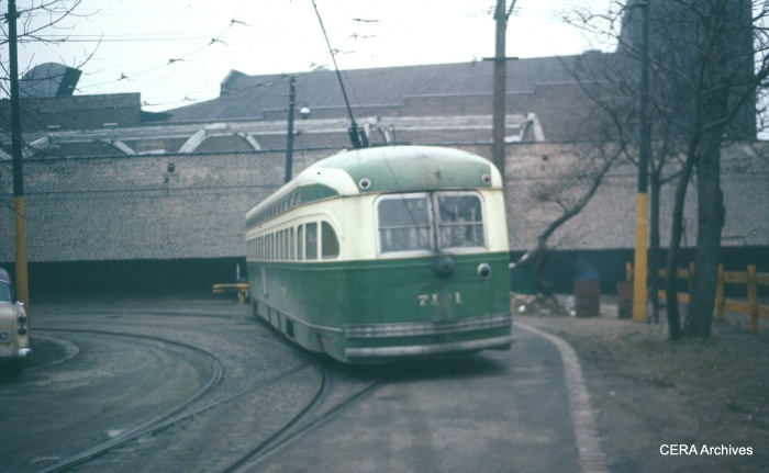 CTA PCC 7171 at the Clark-Howard loop in 1957. (CERA Archives)