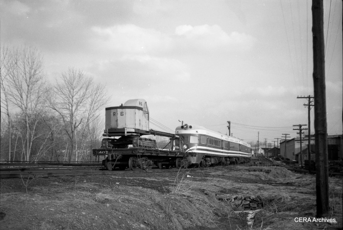 A Liberty Liner on the Red Arrow Lines at 69th Street, parked next to crane R6. (CERA Archives)