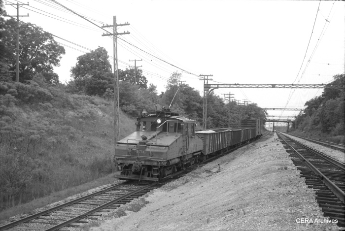A North Shore Line freight train, headed up by loco 456, in Lake Bluff. (CERA Archives)